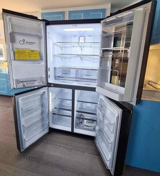 یخچال فریزر X334 با ظرفیت 889 لیتر